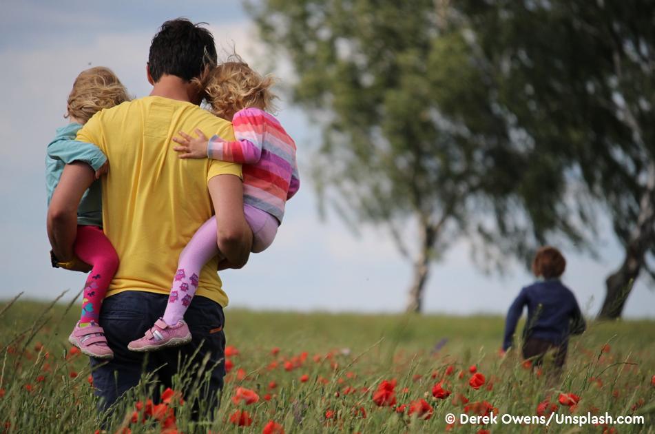 Совет Федерации предложил узаконить понятие «отец-одиночка»