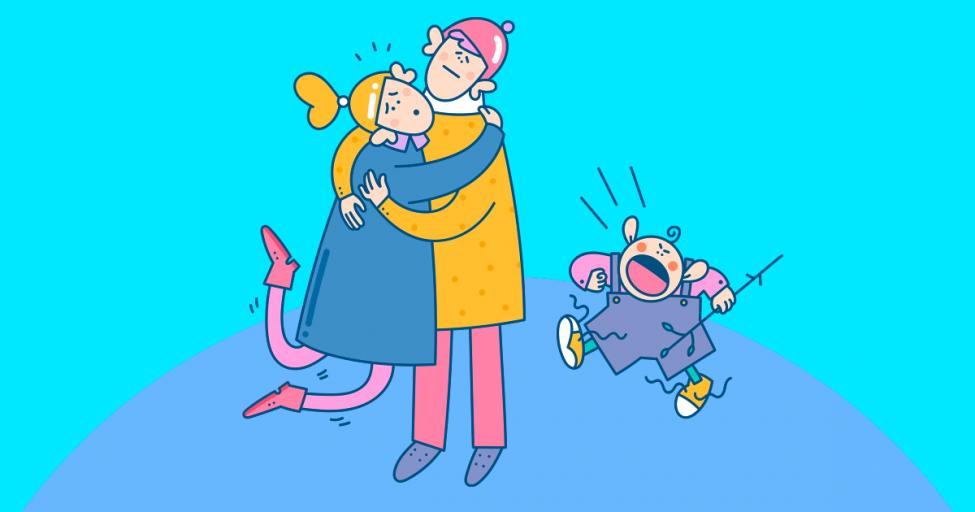 Мой ребенок бесится, когда мы с партнером обнимаем друг друга. Что делать?