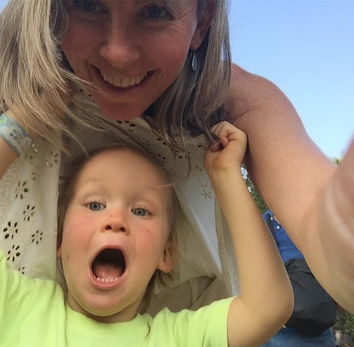 Фото ребенка с фалоиметаторами в
